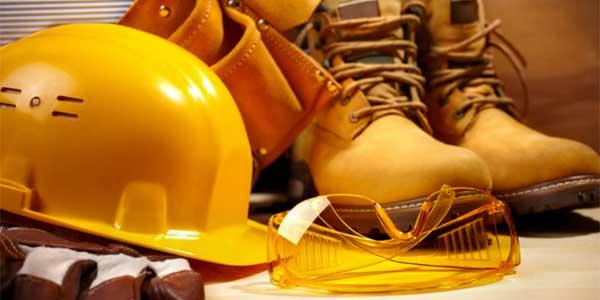 Masters Postgrados de Prevención de Riesgos Laborales. El máster universitario de Prevención de Riesgos Laborales forma a profesionales especializados en la detección de los riesgos en el trabajo y la planificación de acciones preventivas, además de realizar auditorías.