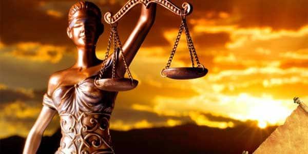 de Derecho Legal Empresarial. Con estos programas te prepararás para obtener una formación global y polivalente, de alto rigor académico  que aborda el derecho desde áreas tan destacadas como el derecho civil, el derecho penal o la asesoría fiscal y contable en la empresa.