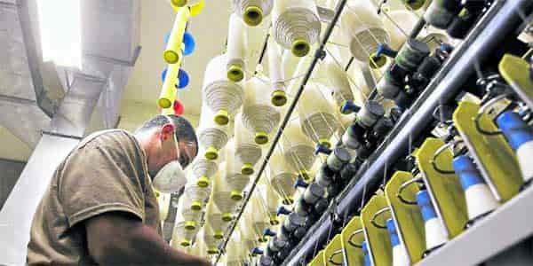 de Sector Industrial. Este sector transforma las materias primas en productos acabados directos para el consumo.