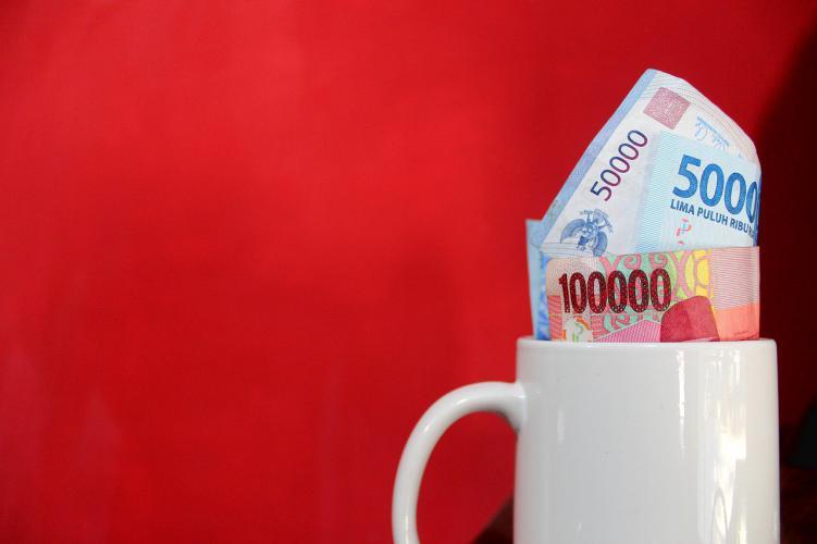 Como ser taza con rupias dinero