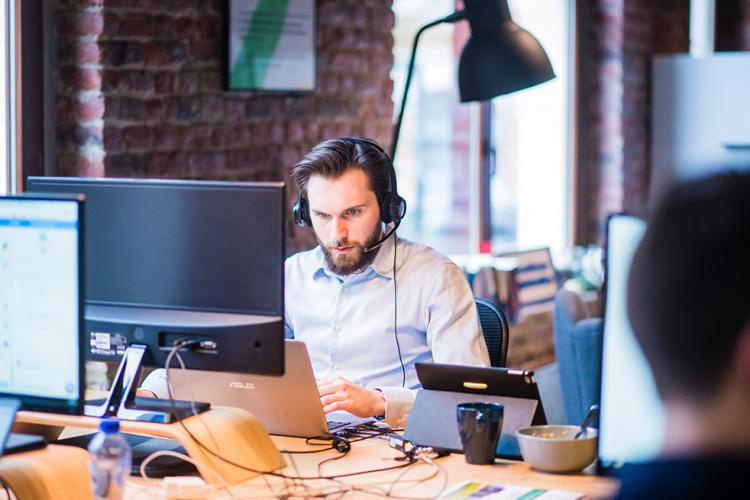 Call center de banca y consultoría tecnológica